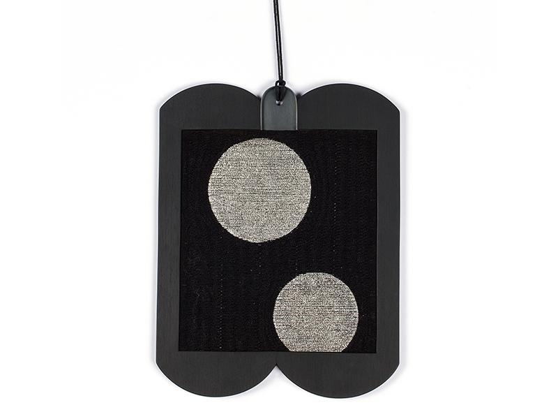 Melanie Isverding, large-format necklace with palladium-coated circular discs